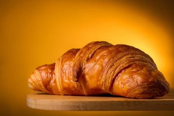 croissant-geel-05D30891F6-4D06-9243-680A-8C9B0DEFF429.jpg